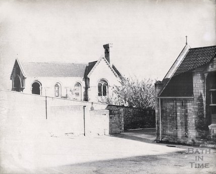 Walcot Mortuary Chapel (fore-right Walcot School), October 1965