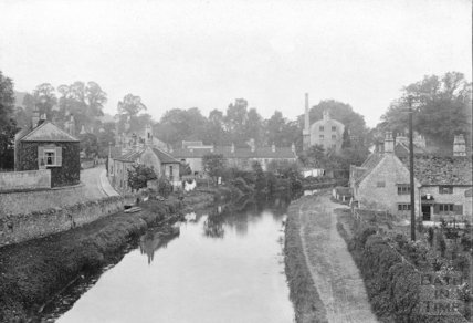 View from the canal bridge of the George Inn and Kennet and Avon Canal c.1900