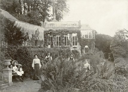 Vinery, Lyncombe Hall (featuring the Adlam family) 1904