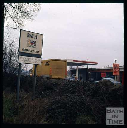Snowdon. The gateway to Bath, Newbridge, Bath 1972