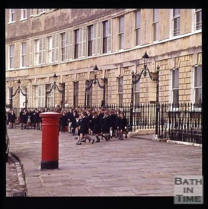 Snowdon. School children in Lansdown Crescent, Bath 1972