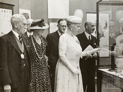 Queen Mary examines the exhibits at the Victoria Art Gallery, Bath 1944
