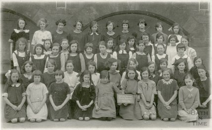 Group of girls from Oldfield Senior Girls School, Bath, c.1922-3