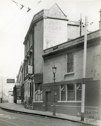 The Beehive Inn, Walcot Street c.1936