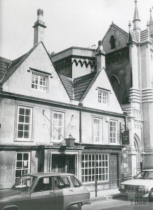 The Saracen's Head, 42, Broad Street, Bath c.1987