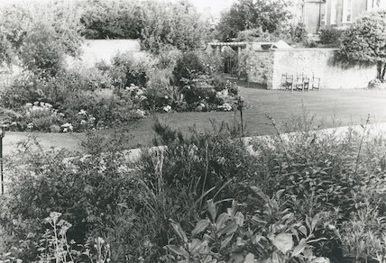 Royal Crescent Hotel garden, summer, 1991