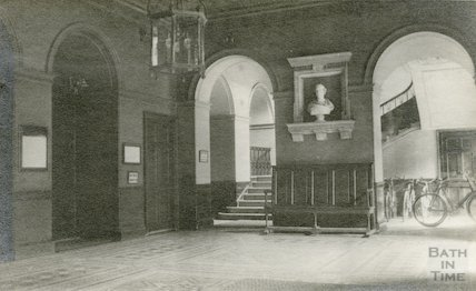 Guildhall entrance hall, 1911