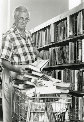 Bath Municipal Lending Library, Bridge Street July, 1990
