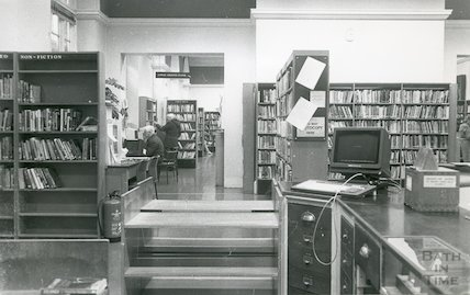 Bath Lending Library, Bridge Street - reception and enquiry desk March, 1990 prior to move to podium