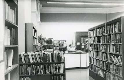 Bath Lending Library, Bridge Street - issue desk March, 1990 prior to move to podium