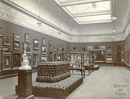 Upper gallery, Victoria Art Gallery, Bridge Street, Bath c.1903
