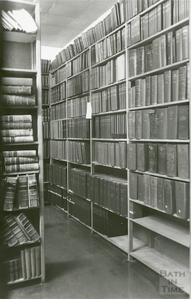 Reference Library, Queen Square - annuals room March, 1990 prior to move to Podium