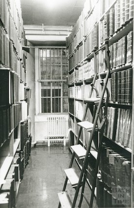 Reference Library, Queen Square - annuals room, basement March, 1990 prior to move to Podium