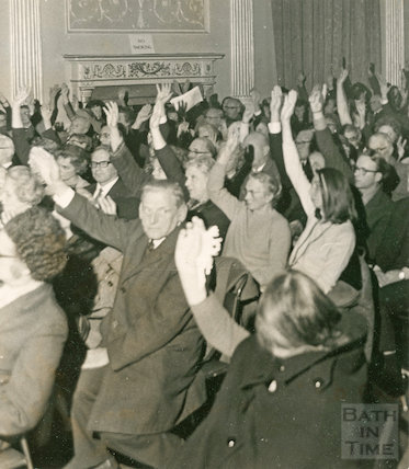 Voting at a Bath Preservation Trust Meeting, 4 December 1972
