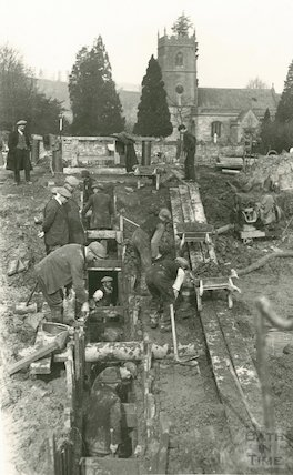 Digging a trench across the Kennet and Avon Canal, Bathampton c.1910