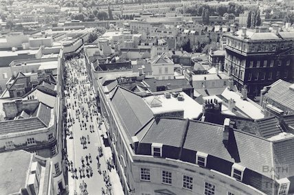 A view from high down Stall Street, Bath, April 1991