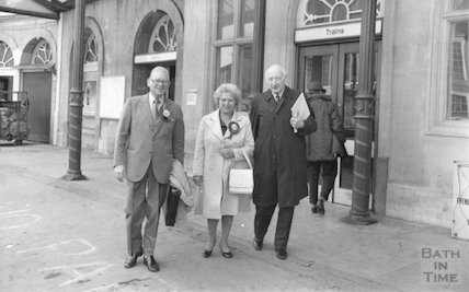 Sir Edward Brown, Lady Brown and Sir James Pitman, Bath Spa Station 9 October 1974