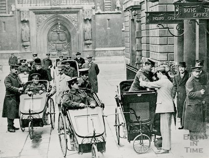 Convalescing soldiers at the Pump Room, c.1916