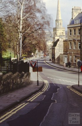 Looking down Guinea Lane towards St Swithin's Church, Bath, April 1992