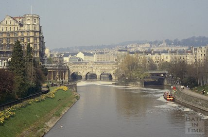 The Empire Hotel, Pulteney Bridge and Pulteney Weir, April 1992