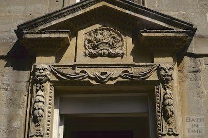 2 Queen Square doorway detail, August 1992