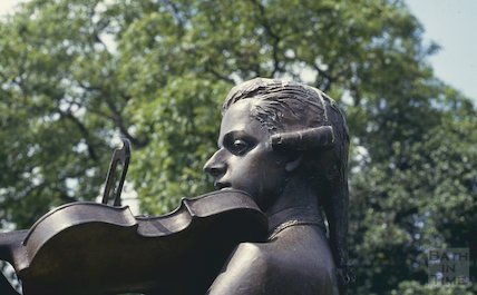 Statue of Mozart, Parade Gardens, June 1993