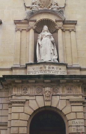 Statue of Queen Victoria, Bridge Street, July 1993
