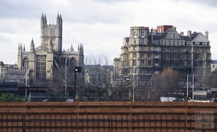 The Empire Hotel and Bath Abbey, March 1995
