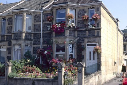 Guest House opposite the Royal Oak, Pulteney Road, Widcombe, August 1995
