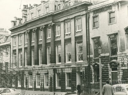 Exterior of Reference library, 18 Queen Square, 1969