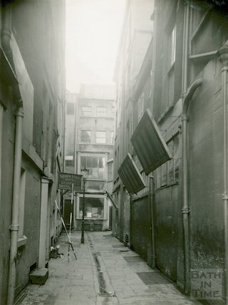 Barton Court looking west at rear of New Bond Street, Bath, showing Seven Stars Hotel, 1936