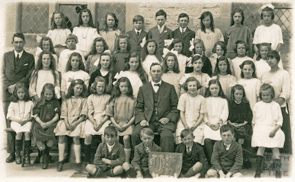 Photograph of Mr Bendings Shoscombe School Choir, c.1920s?