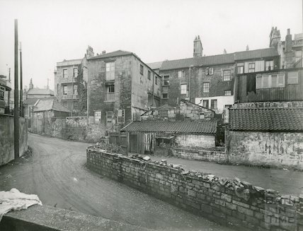 The rear of Walcot Street, leading to Beehive Yard, c.1930