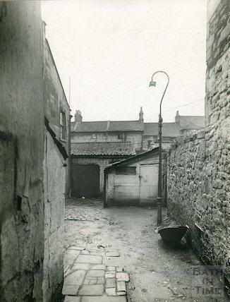 Avon Street (passage and yard behind), c.1930