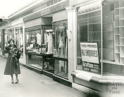 The Corridor in decline, many shops closing or closed, 12 May 1983
