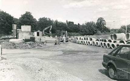 London Road installation of new sewage scheme, September/October 1988