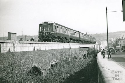 Bristol Temple Meads diesel pulling out of Bath Spa station, c.1960s