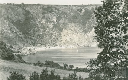 Unidentified bay, possibly Lulworth Cove, Dorset, c.1920s