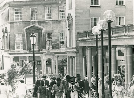 New street lamps, Stall Street, 20 September 1978