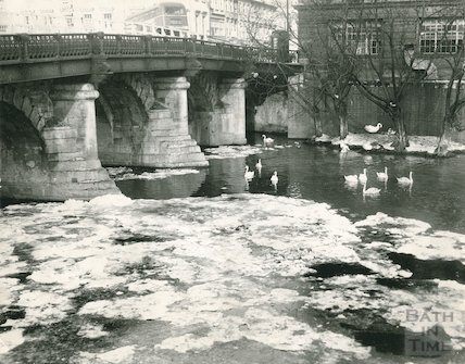 The frozen River Avon under the Old Bridge, Bath, c.1963