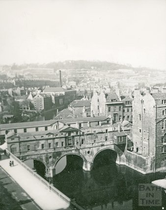 View of Pulteney Bridge from the Empire Hotel, c.1906