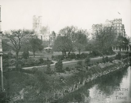 Parade Gardens with the Abbey in scaffold, c.1906