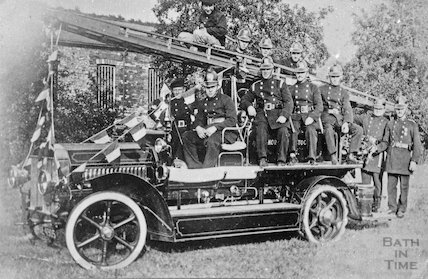 Midsomer Norton and Radstock fire engine and crew, c.1910