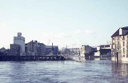 The flooded Broad Quay area and Bailey Bridge, c.1963