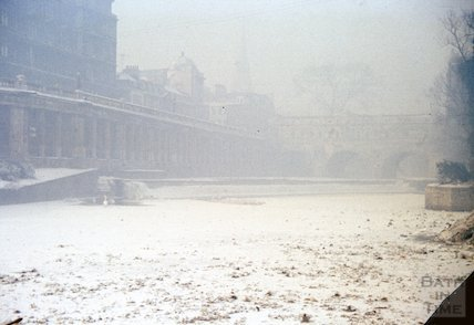The frozen River Avon at Pulteney Bridge, 1962