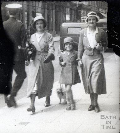 Walking down Milsom Street, c.1920s