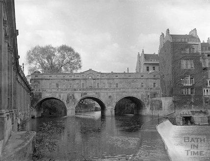 Pulteney Weir and Bridge, c.1960