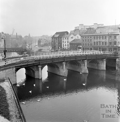 The last days of the Old Bridge, Bath, 9 October 1964