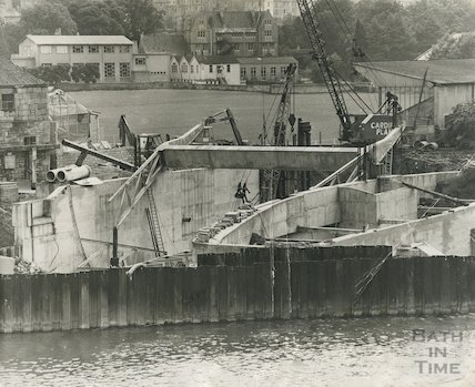 The construction of the flood defence scheme at Pulteney Weir, Bath, 1971