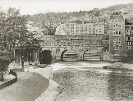 View of Pulteney Bridge and Parade Gardens, 17 September 1973